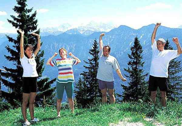 Лечебная гимнастика на свежем воздухе