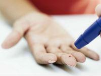 Измерение уровня сахара крови глюкометром
