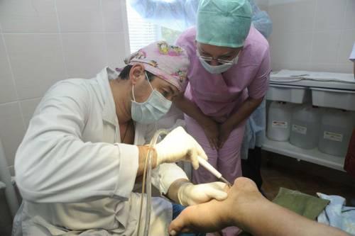 Хирургическая обработка раны на стопе