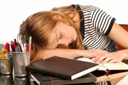 Сонливость у женщины